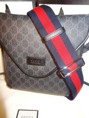 GUCCI neo messenger bag for Sale in Orlando, FL