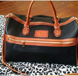Gucci travel duffle Bag for Sale in Tucker, GA