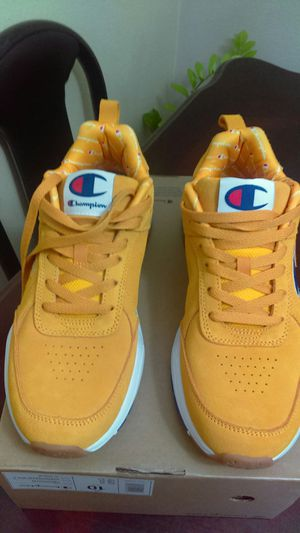Tenis nuevos size 10 de hombre marca champions new never used for Sale in Baldwin Park, CA