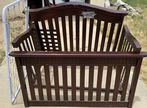 Solid wood Crib for Sale in Beaumont, CA