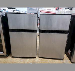 Liquidation! Frigidaire Mini Refrigerator Fridge Nevera Neverita Frigobar Insignia #852 for Sale in Hialeah, FL