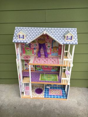 Doll house for Sale in Federal Way, WA
