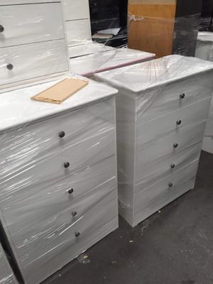 Compressed Wood Dresser for Sale in Long Beach, CA