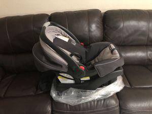 Graco snugride 35 and stroller for Sale in Miami, FL