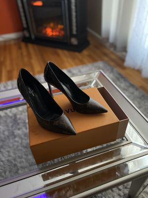 Louis Vuitton Heel for Sale in Maryland Heights, MO