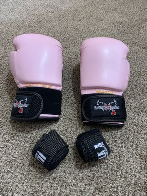 Women's boxing glove set for Sale in Golden, CO