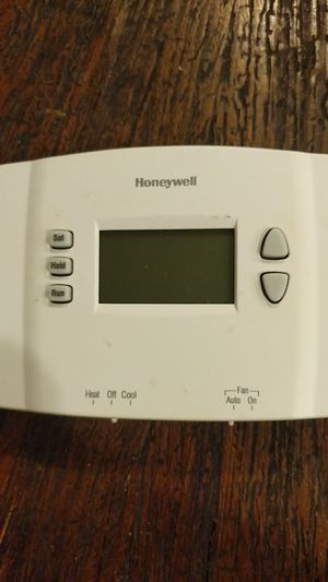 Honeywell programmable thermostat for Sale in Fenton, MO