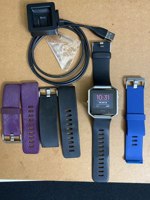 Fitbit Blaze with charger and extra bands for Sale in North Richland Hills, TX