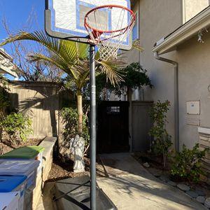 Lifetime Adjustable And Portable Basketball Hoop for Sale in Encinitas, CA