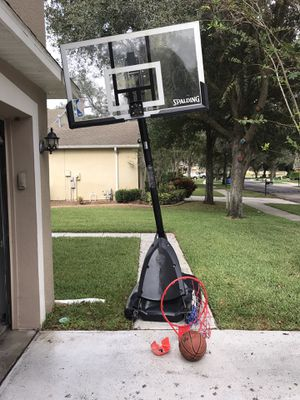 10 ft Basketball hoop wit a ball for Sale in Brandon, FL