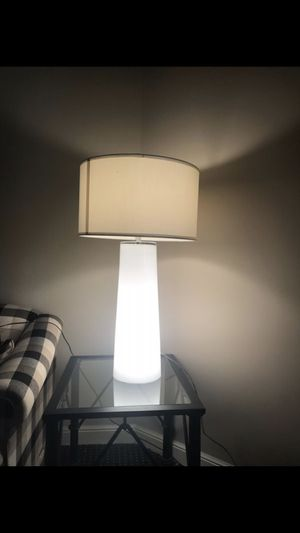 "2 mid century modern 2 bulbs each 3 light settings bedroom living room round table lamp set 33"" high, shade is 20"" wide, glass base is 9"" wide for Sale in Oakland Park, FL"