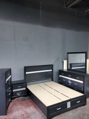 queen bedroom set. brand new. for Sale in Mableton, GA