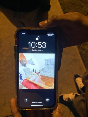 Iphone xr for Sale in West Point, MS