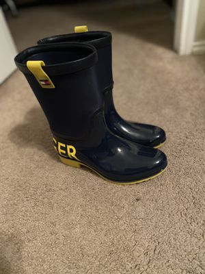 Woman's Tommy Hilfighter Rain Boots - Size 7M for Sale in Arlington, TX