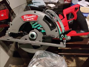 Brand new Milwaukee fuel 7 1/4 with a xc 6.0 battery no charger for Sale in Tacoma, WA