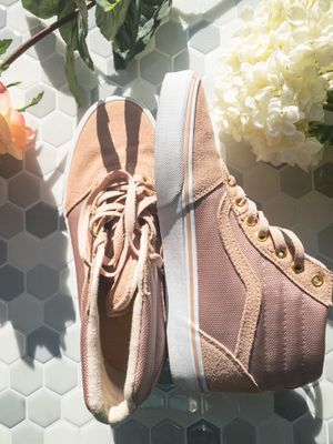 Vans Light Pink Shoe with Gold Detail Size US 9 for Sale in Rye, NY