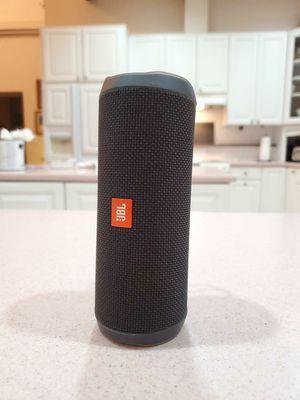 JBL Flip 4 Bluetooth Speaker for Sale in Largo, FL