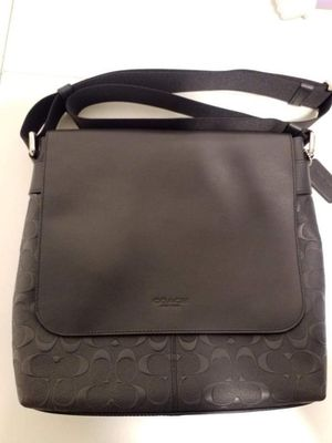 Authentic Coach crossbody bag for Sale in San Diego, CA