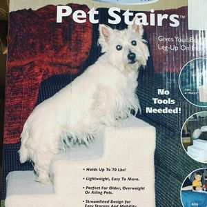 PET STAIRS HOLDS UP TO 70 Pounds $20 BRAND NEW for Sale in Los Angeles, CA