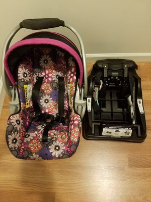 Car seat for Sale in Philadelphia, PA