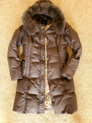 Size M down puffer coat for Sale in Naperville, IL