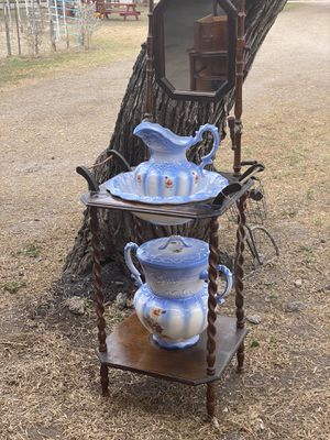 Antique dry wash with pitcher / bowl and extras for Sale in Brownsville, TX