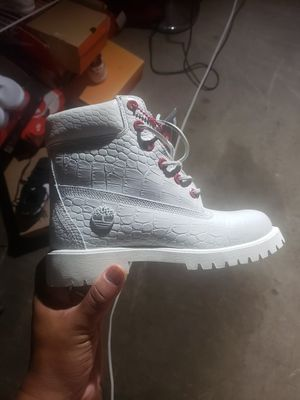 Snake skin timberland boots size 4.5y for Sale in Temple, PA