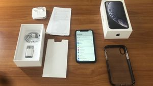 Factory Unlocked iPhone XR 64 GB. Excellent Condition. You can use any sim any company for Sale in Escondido, CA