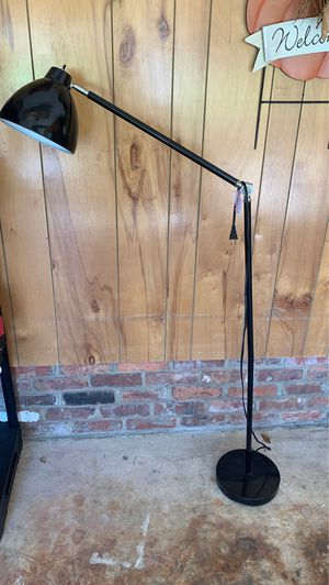 Floor lamp for Sale in Charlotte, NC