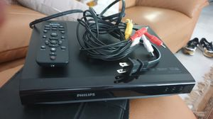 Like new with wires dvd for Sale in Dania Beach, FL