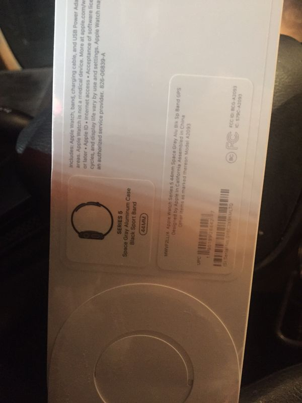 APPLE 🍎 WATCH. SERIES 5 44MM GPS ONLY BRAND NEW SEALED 375 CASH FIRM HOMESTEAD AREA