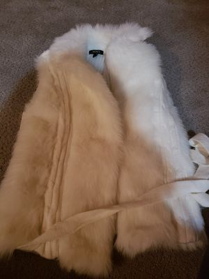 Xoxo fur vest. White. Never worn. Size small but fits like a medium. for Sale in Wayne, MI