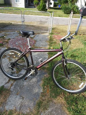 Pacific quasar, as is..needs 2 inner tubes for Sale in Norfolk, VA
