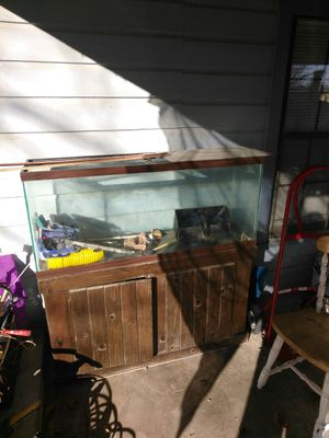 70 gl fish tank for Sale in San Angelo, TX