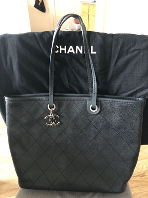 Chanel tote bag for Sale in San Francisco, CA