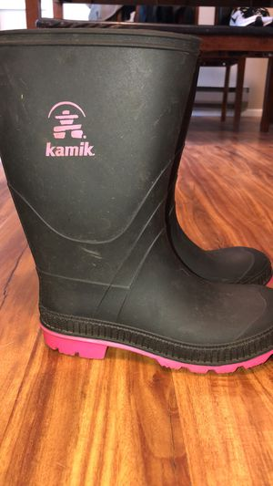 Girls Size 5 Rain Boots for Sale in Mount Vernon, WA
