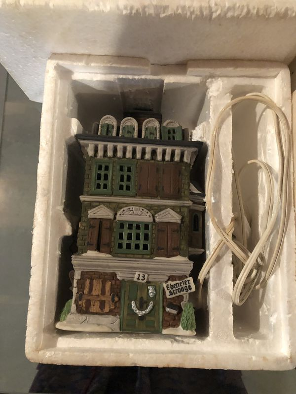 Dickens' Christmas Village Collection