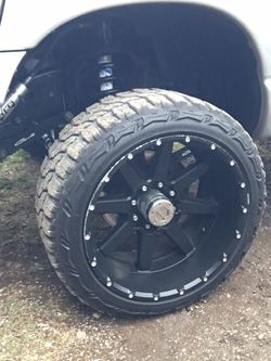 8x6.5 22x12 On 33s for Sale in Castroville,  TX