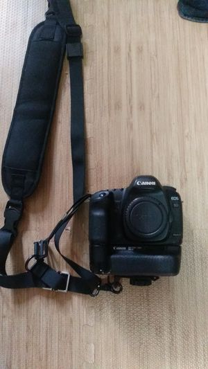 Canon 5d ii with battery grip 2 batteries and Magic Lantern for Sale in Vallejo, CA