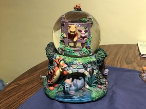 Winnie the Pooh snow globe and music box for Sale in Superior Charter Township, MI