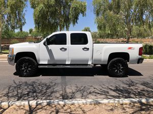2008 CHEVY SILVERADO 2500 CREW CAB 4x4 DISEL for Sale in Phoenix, AZ