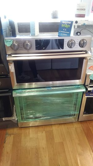 NEW SAMSUNG MICROWAVE OVEN COMBINATION for Sale in Montclair, CA