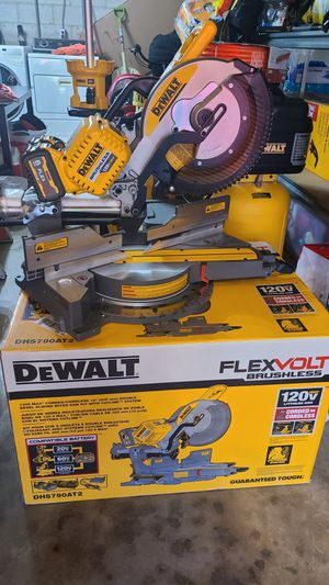 Flexbolt mitter saw 450$ tool only firm.pricces no.lower buyer for Sale in Gardena, CA