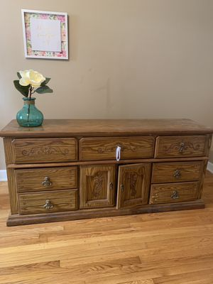 Real Wood Bedroom Suit for Sale in Kingsport, TN