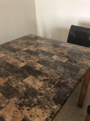 High top table with chairs for Sale in Atlanta, GA