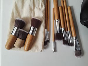 Makeup brush kit new for Sale in San Diego, CA
