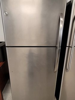 Ge Stainless Steel Top Freezer Refrigerator Used Good Condition With 90day's Warranty for Sale in Washington,  DC