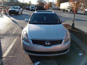 08 Nissan Altima w 3.1 maxima motor for Sale in Nashville, TN