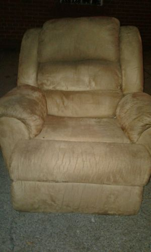 Recliner chair for Sale in Pittsburgh, PA