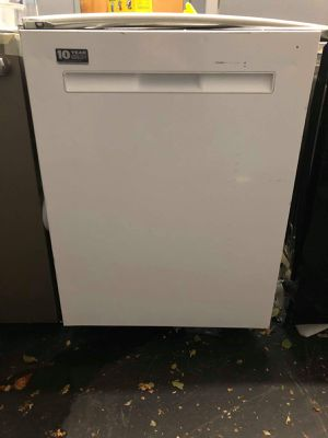 New Maytag white dishwasher for Sale in Red Bank, NJ